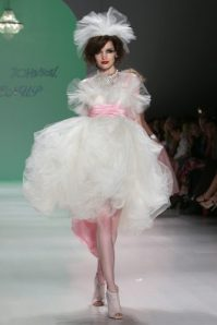 betsey_johnson_runway_show_nyfw_2015_dreamwedding_bridal_looks_2014