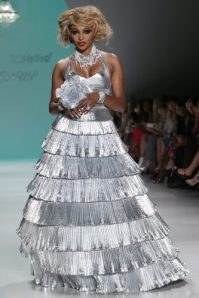 betsey_johnson_runway_show_nyfw_2015_dreamwedding_bridal_looks_2014_0